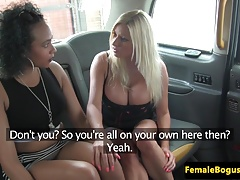 chick cabbie pussylicked by..