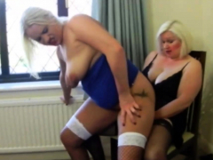 Lezzy Lovemaking With GILF
